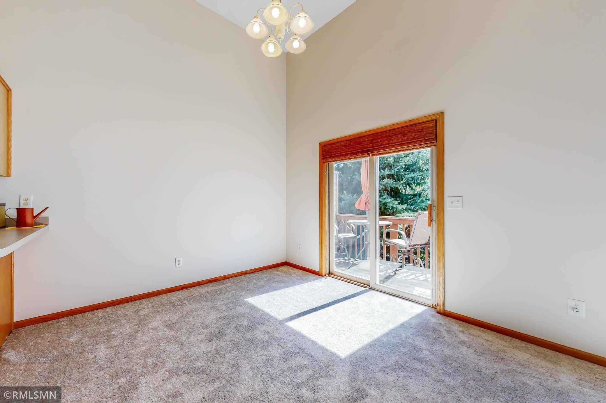 View 29 photos of this 2 bed, 2 bath, and 1,184 sqft. condo home located at 1100 Bristol Ln, Farmington, Minnesota 55024 is Pending for $199,900.