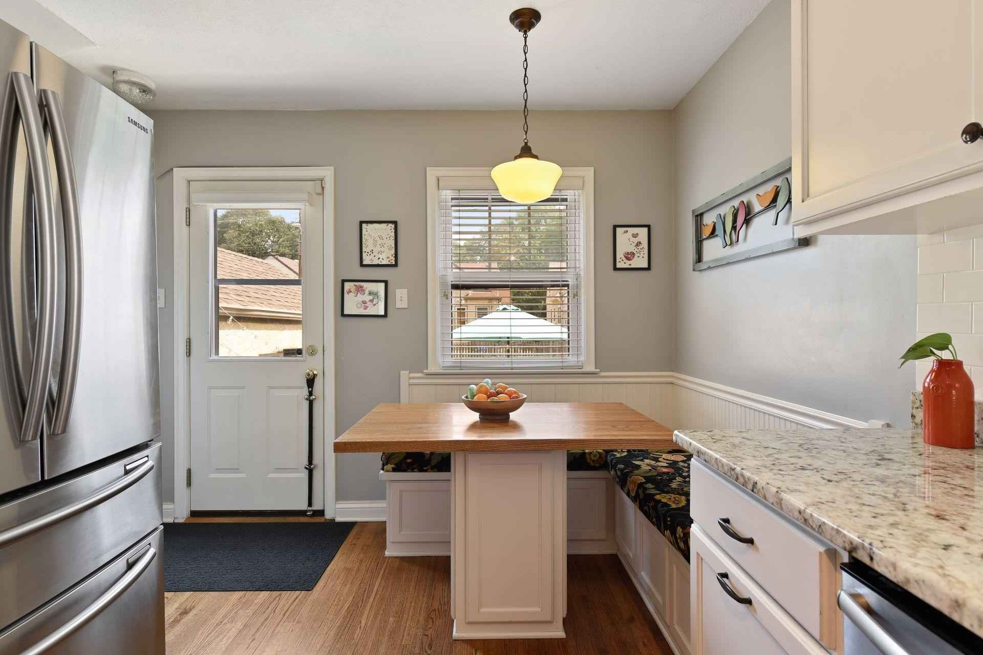 View 34 photos of this 4 bed, 2 bath, and 2,139 sqft. single_family home located at 5155 Park Ave, Minneapolis, Minnesota 55417 is _0 for $.