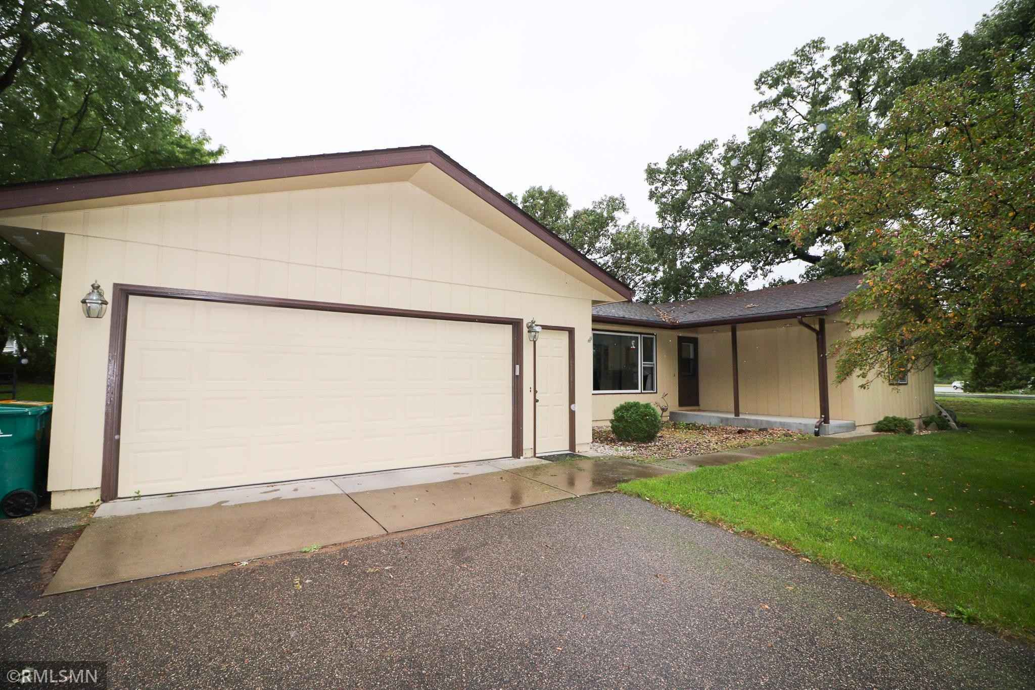 View 29 photos of this 5 bed, 2 bath, and 2,635 sqft. single_family home located at 1355 30th St SE, Saint Cloud, Minnesota 56304 is Pending for $255,000.