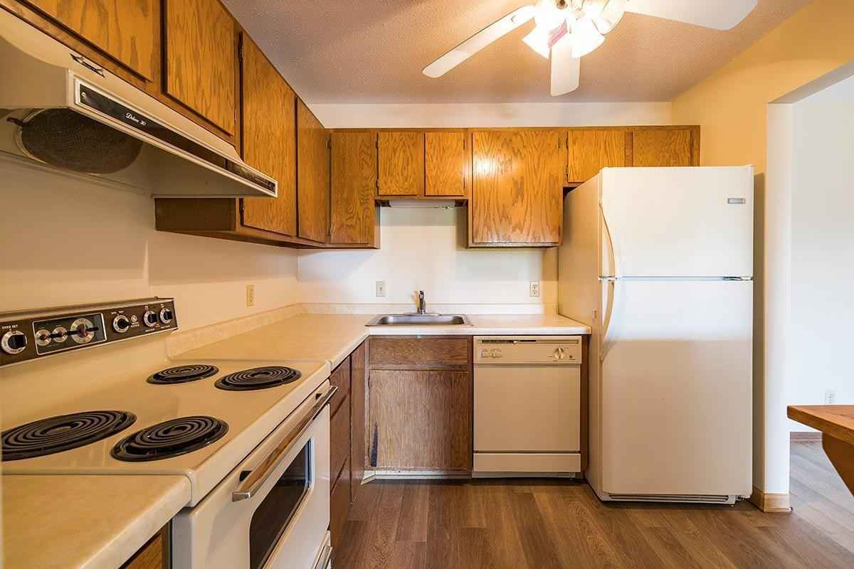 View 19 photos of this 1 bed, 1 bath, and 824 sqft. condo home located at 5627 Green Circle Dr Apt 309, Minnetonka, Minnesota 55343 is Active for $129,999.
