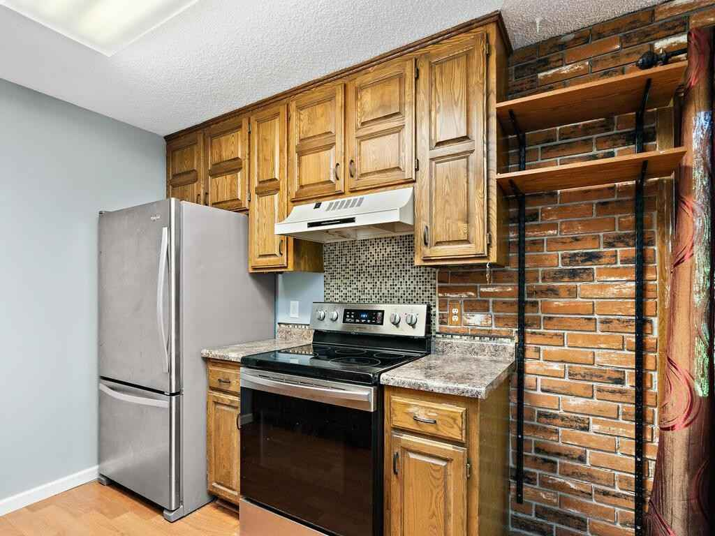 View 19 photos of this 2 bed, 1 bath, and 1,268 sqft. condo home located at 8860 N Maplebrook Ct, Brooklyn Park, Minnesota 55445 is Pending for $184,500.