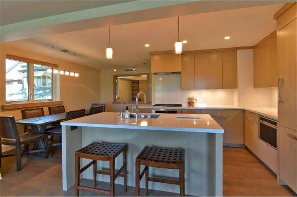 View 20 photos of this 2 bed, 2 bath, and 1,232 sqft. condo home located at 4430 W Lake Harriet Pkwy Apt 201, Minneapolis, Minnesota 55410 is Active for $539,000.