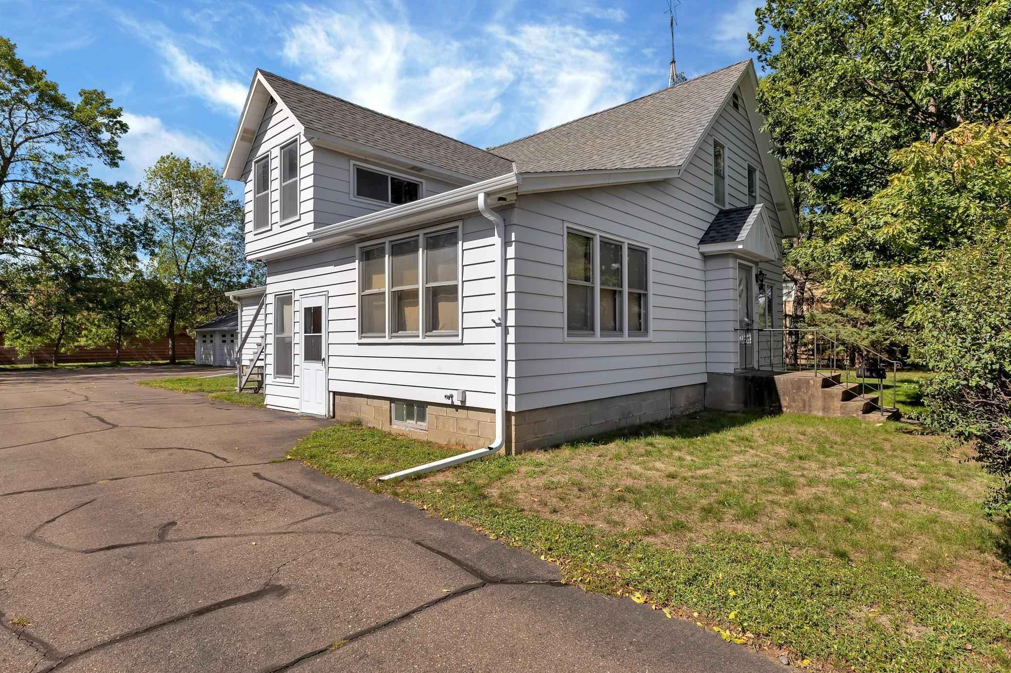 View 32 photos of this 4 bed, 3 bath, and 2,168 sqft. multi_family home located at 1153 16th Ave S, Saint Cloud, Minnesota 56301 is Pending for $184,900.