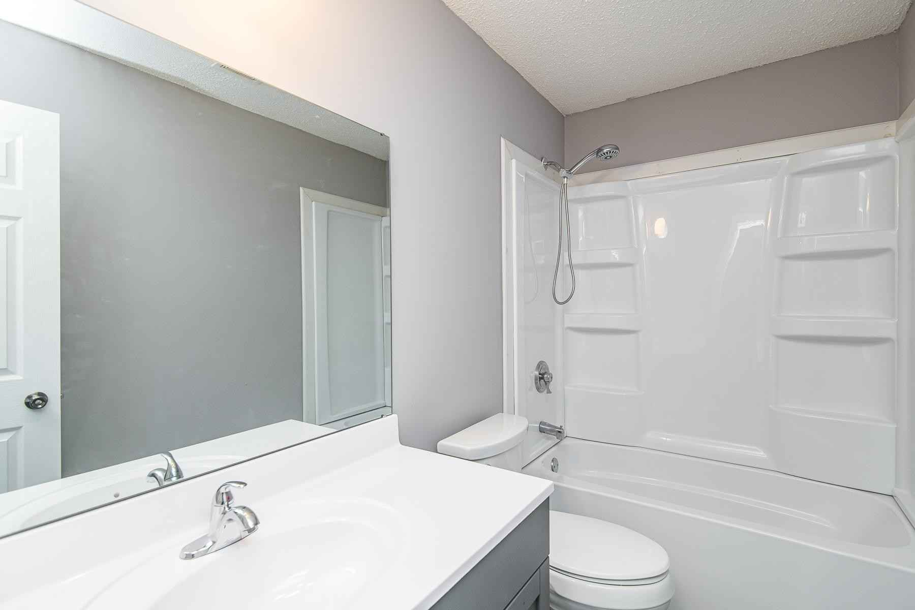 View 28 photos of this 4 bed, 2 bath, and 1,837 sqft. single_family home located at 2420 48th St NW, Rochester, Minnesota 55901 is Active for $278,000.