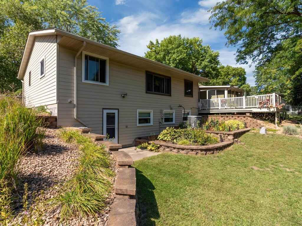 View 42 photos of this 3 bed, 2 bath, and 2,022 sqft. single_family home located at 12864 Eveleth Ave, Apple Valley, Minnesota 55124 is Active for $369,990.