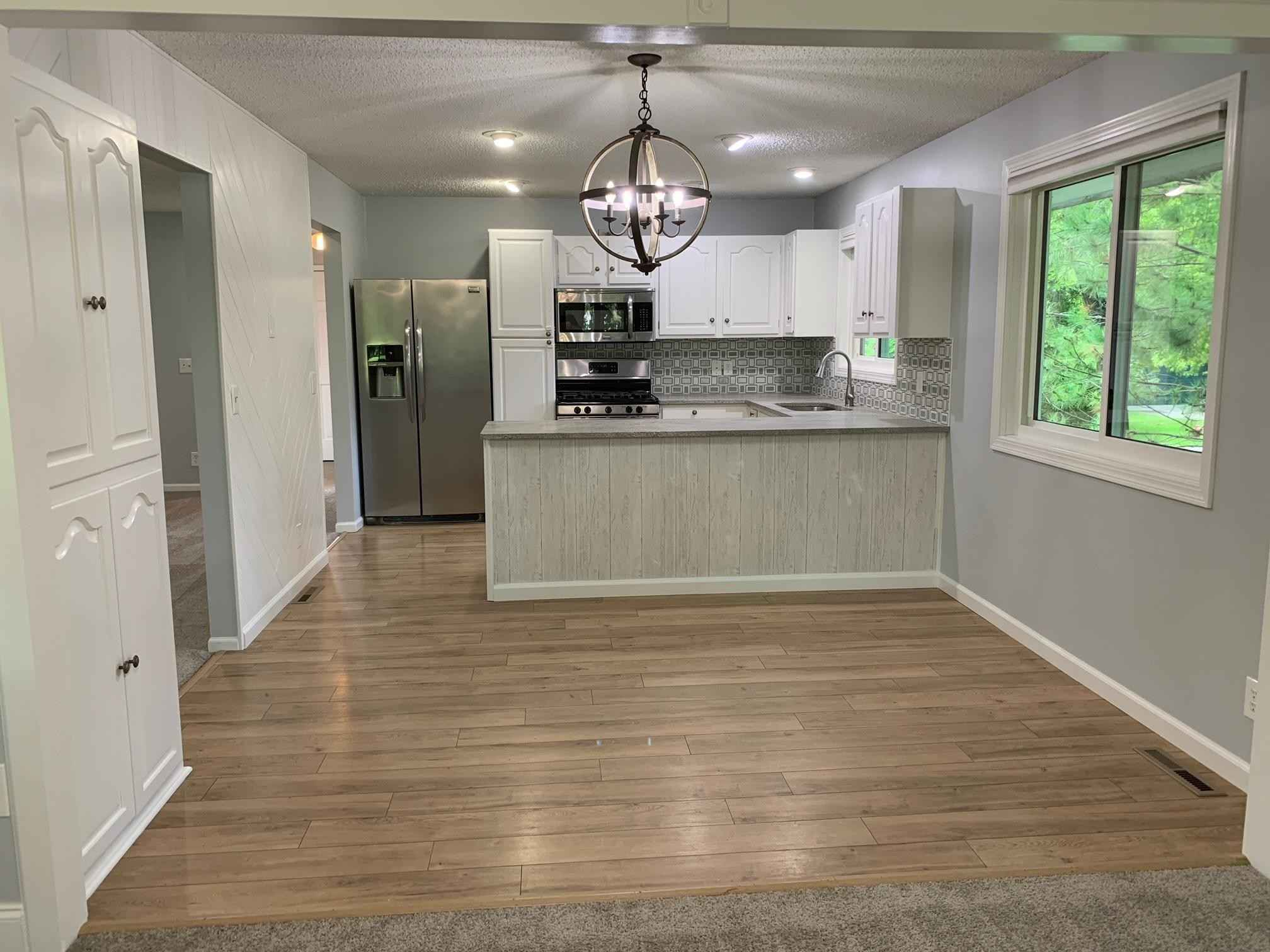View 13 photos of this 4 bed, 2 bath, and 2,578 sqft. single_family home located at 112222 Hutchins Ct, Chaska, Minnesota 55318 is Pending for $350,000.