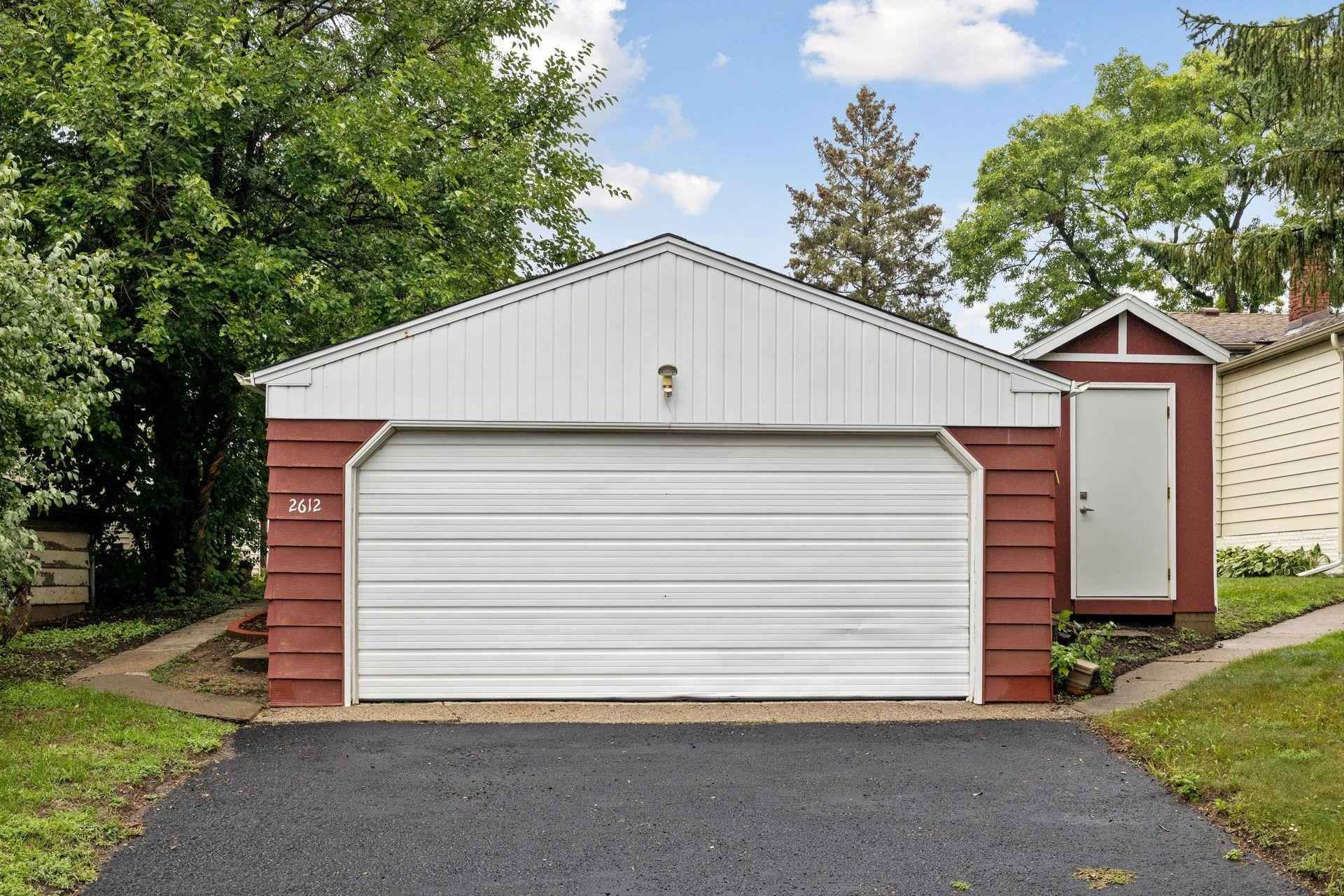 View 33 photos of this 3 bed, 2 bath, and 1,544 sqft. single_family home located at 2612 Toledo Ave S, Saint Louis Park, Minnesota 55416 is Active for $382,000.