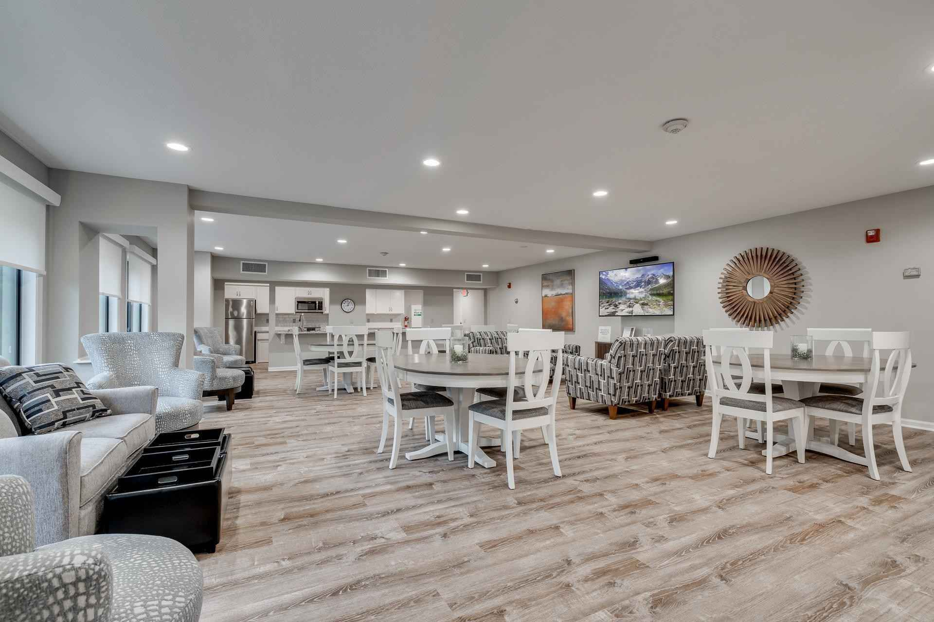 View 34 photos of this 2 bed, 2 bath, and 1,150 sqft. condo home located at 7510 Cahill Rd Apt 110B, Edina, Minnesota 55439 is Active for $184,900.