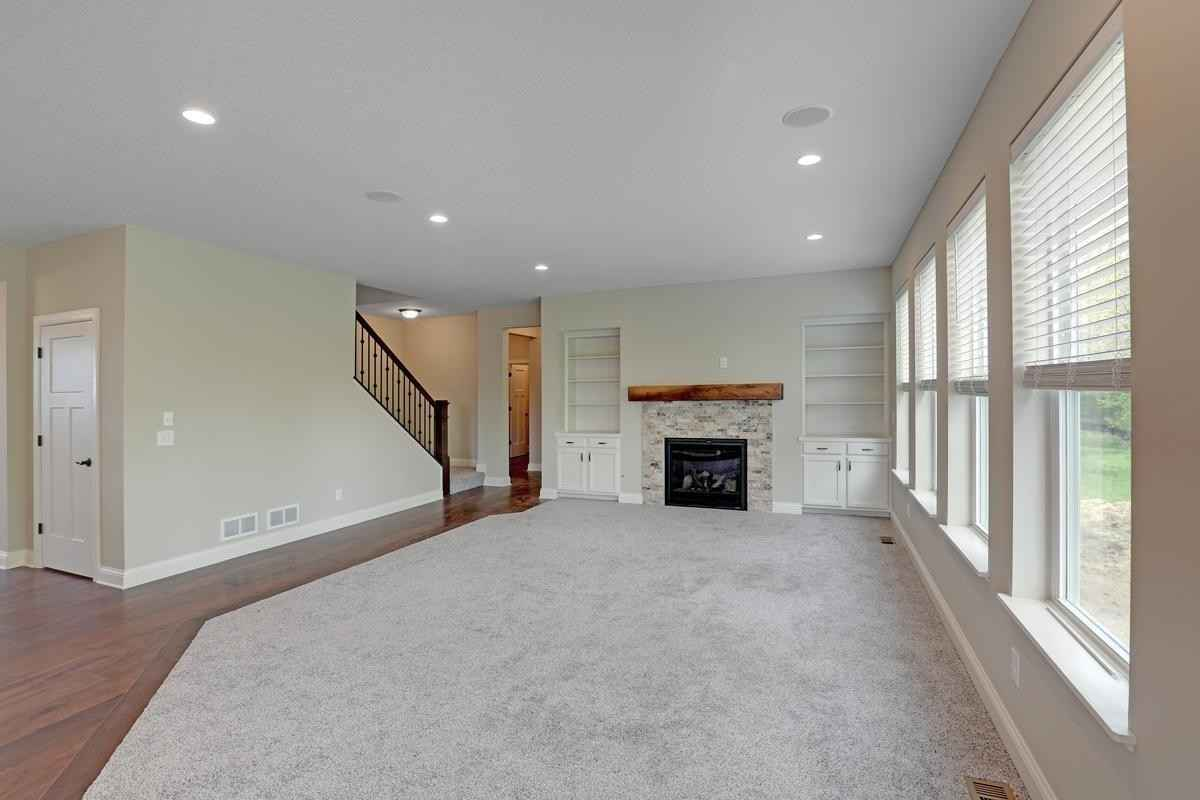 View 21 photos of this 5 bed, 4 bath, and 3,400 sqft. single_family home located at 16086 Fairoaks Ave N, Hugo, Minnesota 55038 is Active for $610,005.