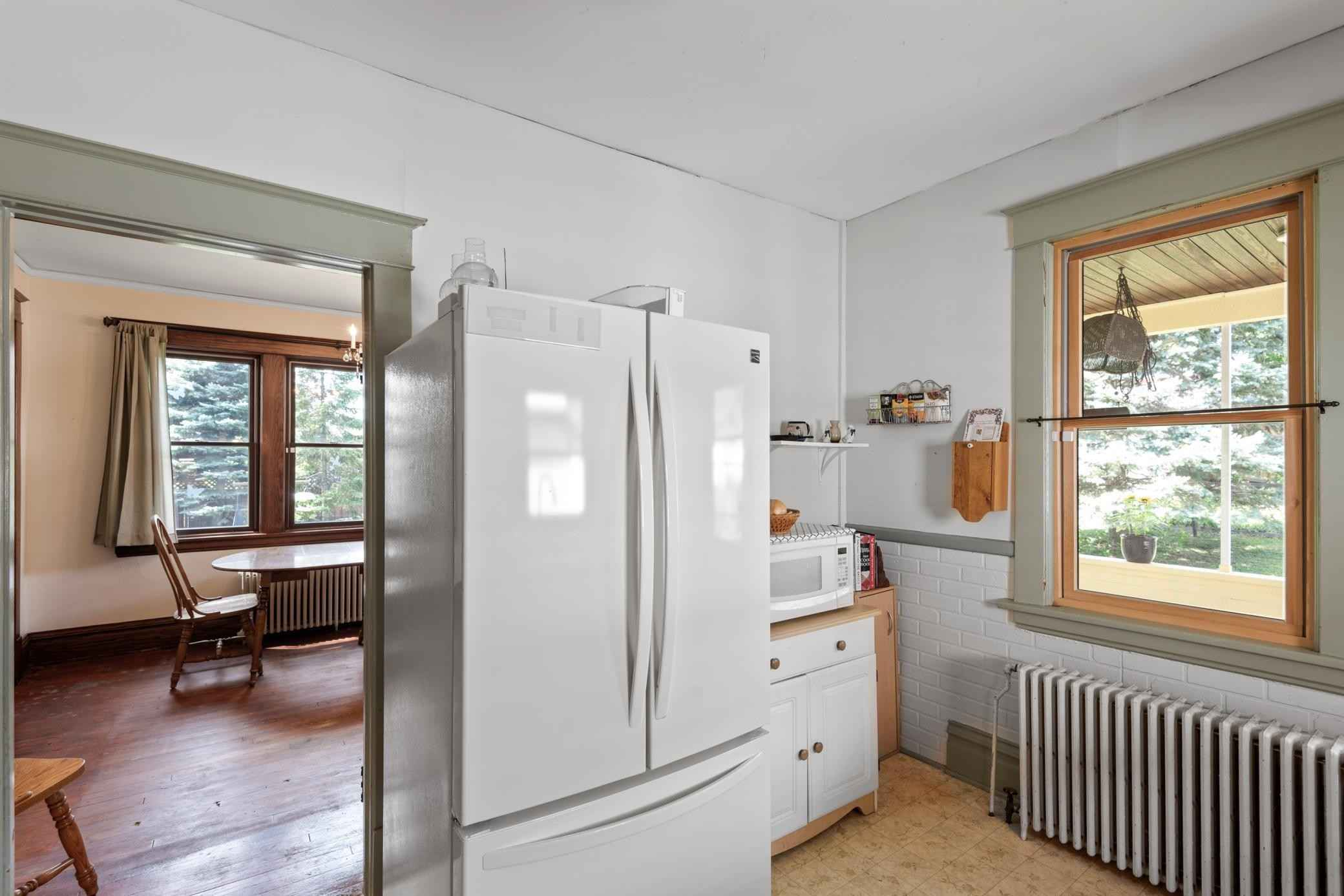 View 39 photos of this 2 bed, 1 bath, and 1,235 sqft. single_family home located at 1731 Adrian St, Saint Paul, Minnesota 55116 is Active for $340,000.