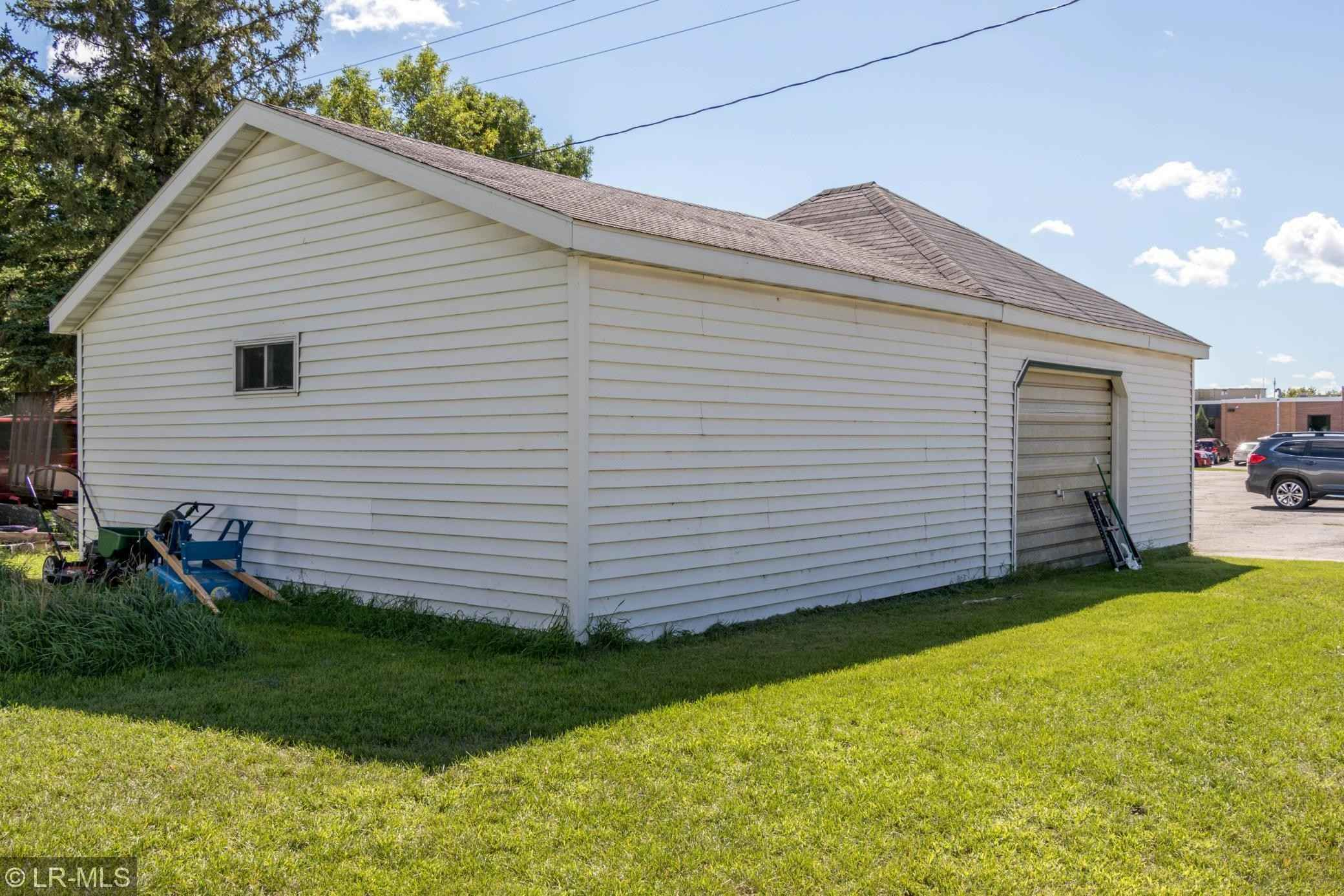 View 27 photos of this 4 bed, 2 bath, and 1,328 sqft. single_family home located at 657 2nd St SW, Perham, Minnesota 56573 is Pending for $145,000.
