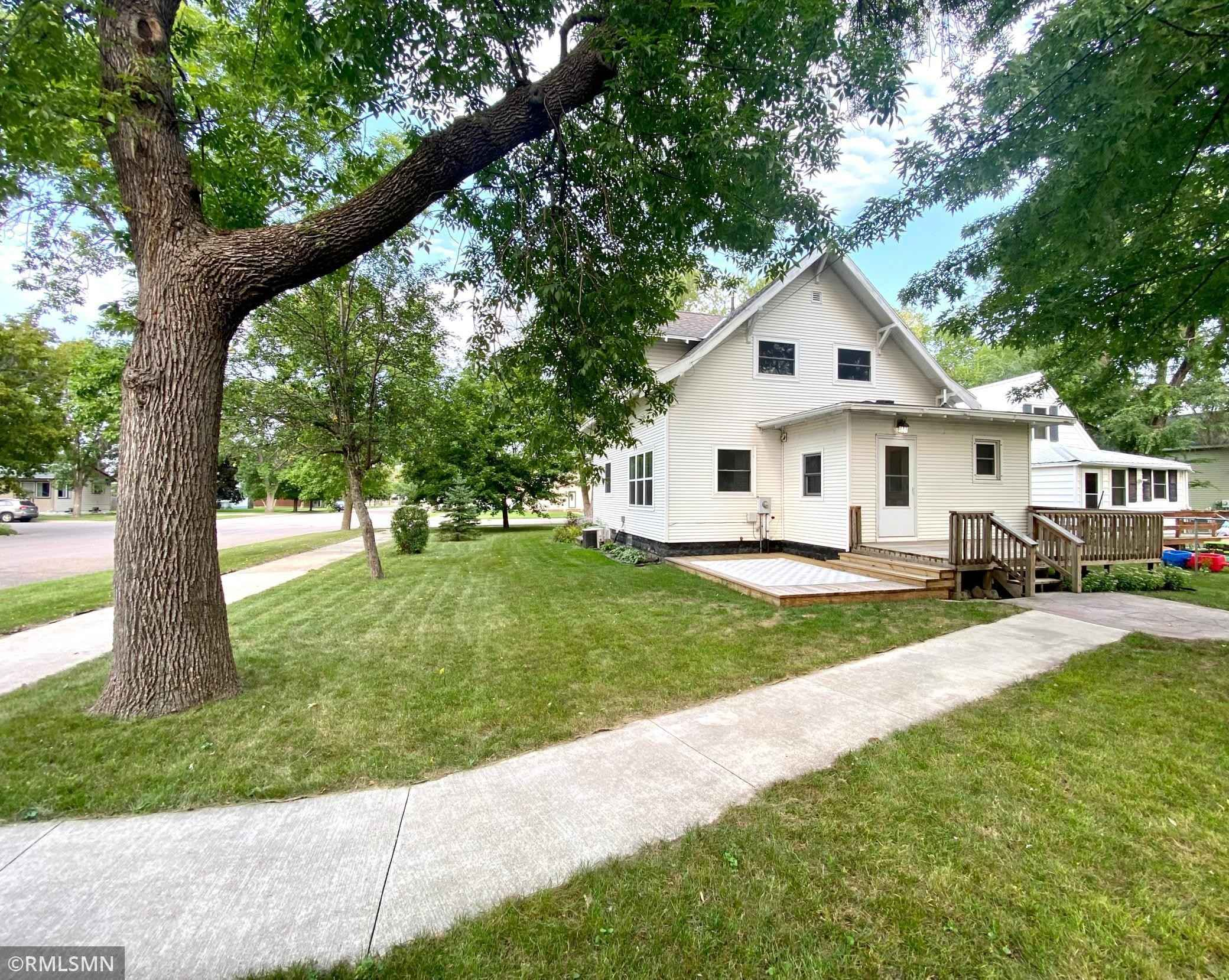 View 49 photos of this 4 bed, 3 bath, and 1,966 sqft. single_family home located at 214 8th St W, Canby, Minnesota 56220 is Active for $138,500.