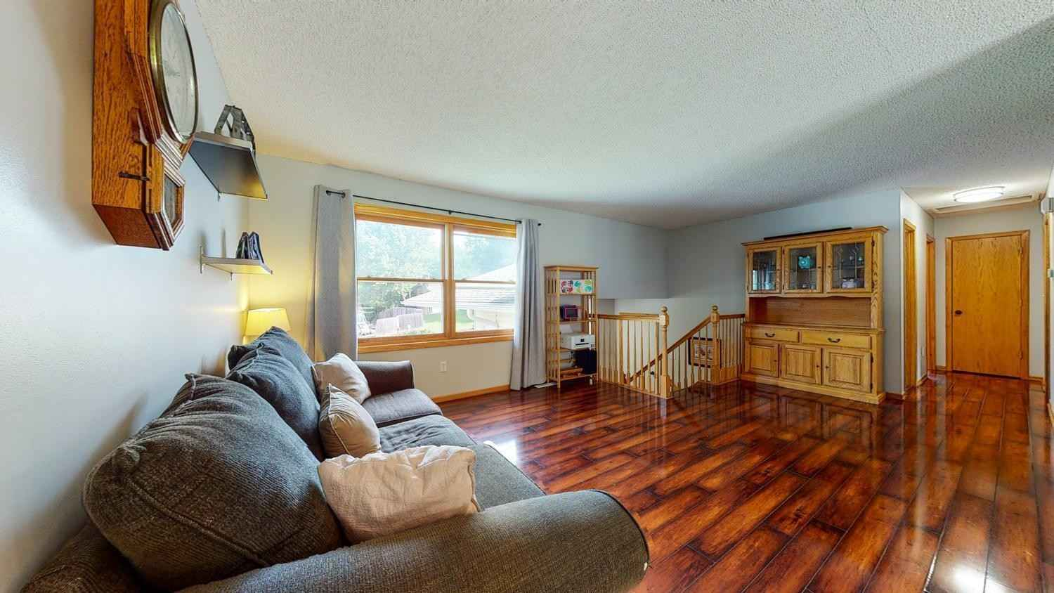 View 33 photos of this 4 bed, 2 bath, and 1,972 sqft. single_family home located at 3014 Harbor Dr SE, Rochester, Minnesota 55904 is Pending for $270,000.
