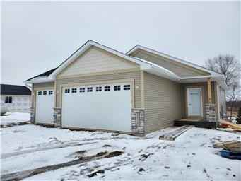 View 2 photos of this 4 bed, 3 bath, and 2,447 sqft. single_family home located at 449 Grant Ave SE, Hutchinson, Minnesota 55350 is Active for $364,900.