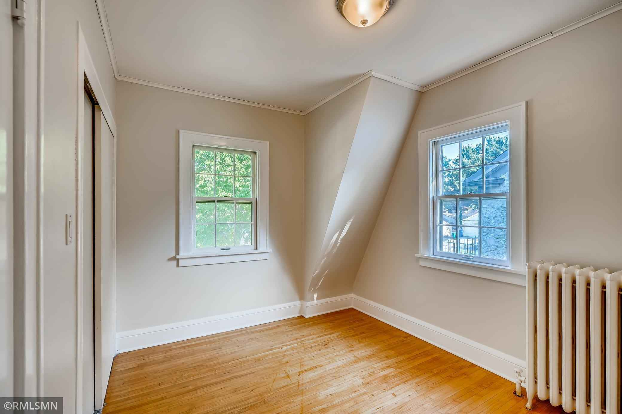 View 28 photos of this 3 bed, 2 bath, and 2,030 sqft. single_family home located at 3806 Xerxes Ave N, Minneapolis, Minnesota 55412 is Active for $349,900.