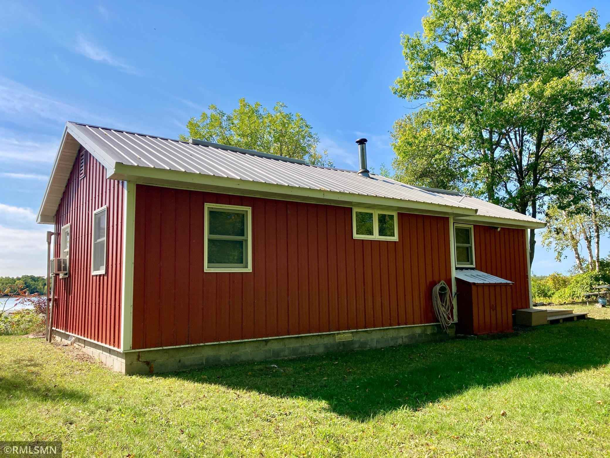 View 22 photos of this 2 bed, 1 bath, and 628 sqft. single_family home located at 2247 Deep Portage Dr NW, Backus, Minnesota 56435 is Pending for $239,900.