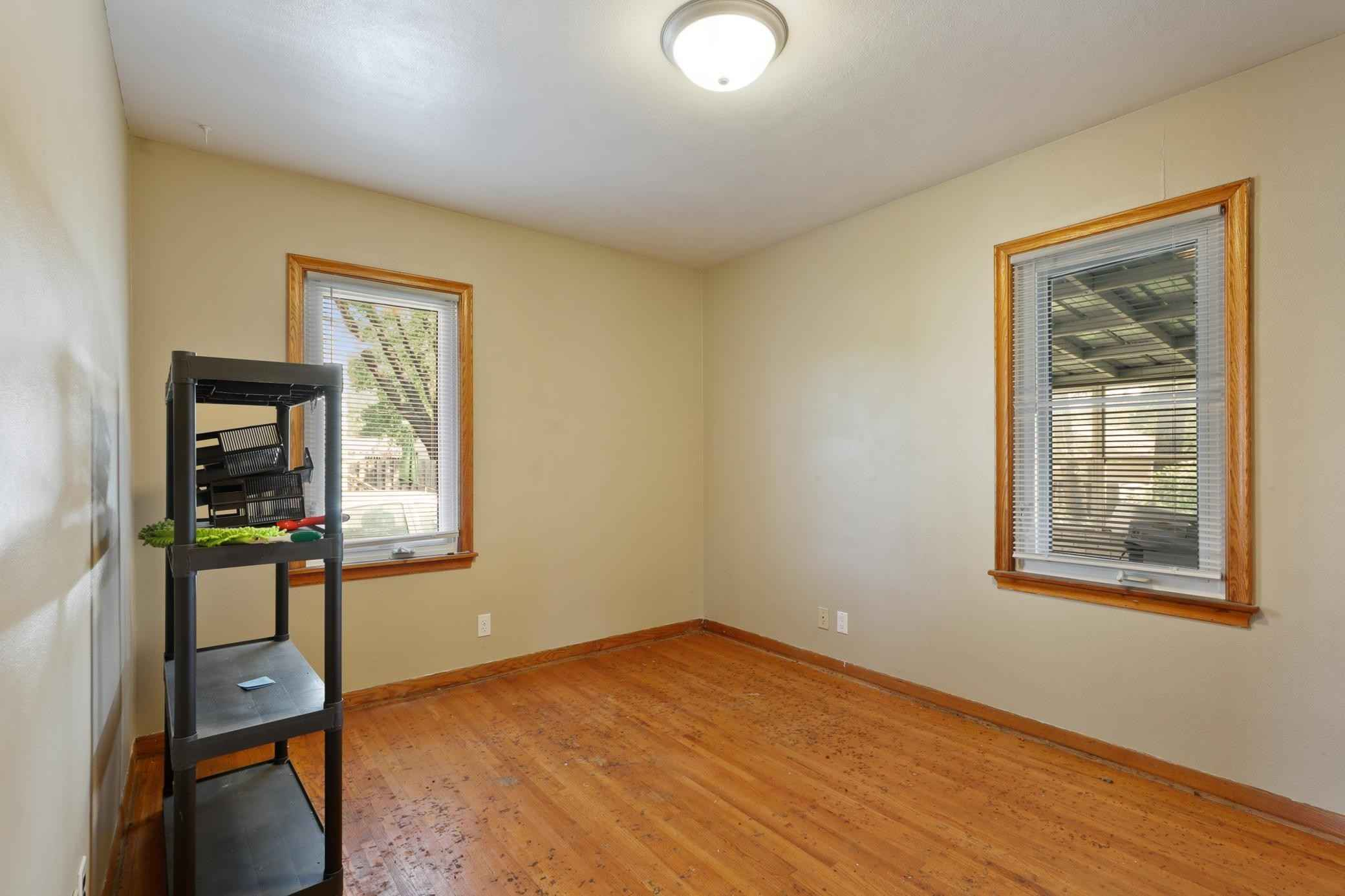 View 45 photos of this 3 bed, 2 bath, and 1,642 sqft. single_family home located at 1030 Larpenteur Ave W, Saint Paul, Minnesota 55113 is Active for $234,000.