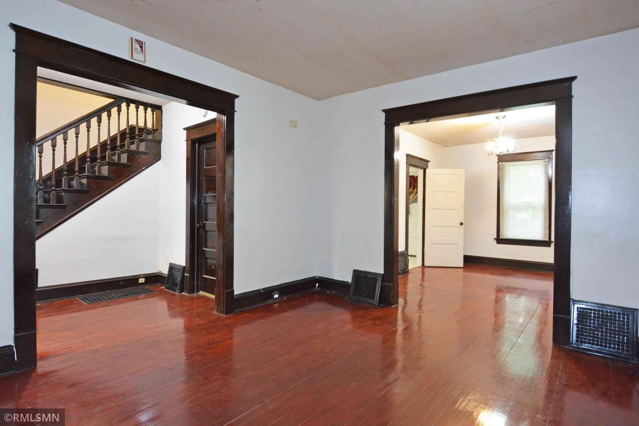 View 23 photos of this 4 bed, 1 bath, and 1,130 sqft. single_family home located at 1615 25th Ave N, Minneapolis, Minnesota 55411 is Active for $209,900.