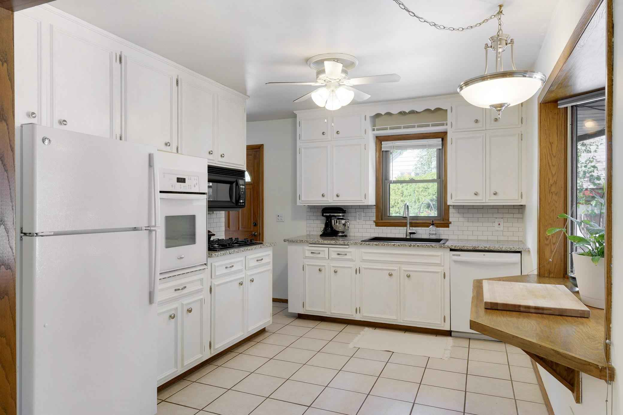 View 24 photos of this 2 bed, 2 bath, and 1,839 sqft. single_family home located at 1625 37th Ave NE, Columbia Heights, Minnesota 55421 is Active for $295,000.