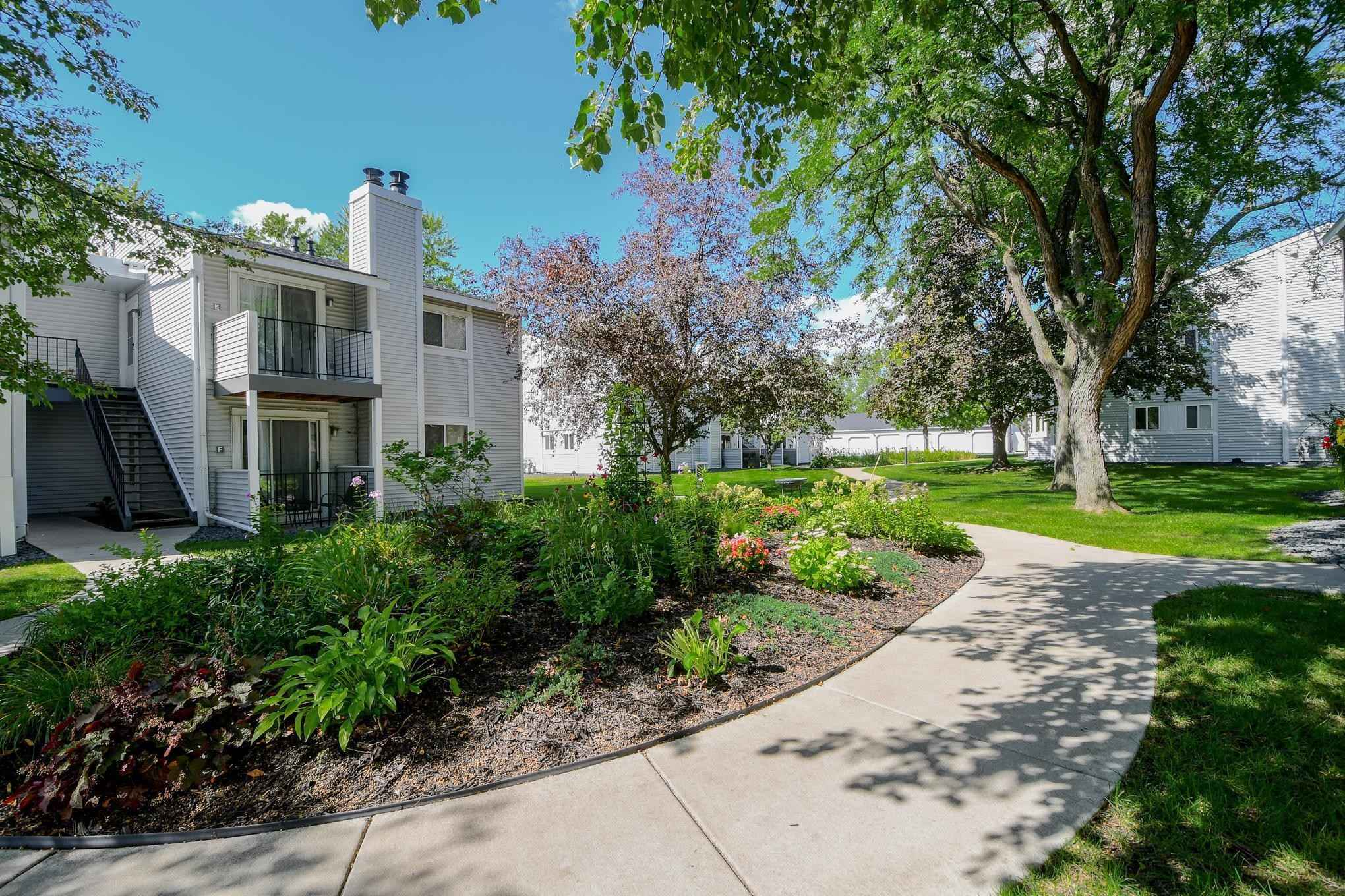 View 29 photos of this 2 bed, 2 bath, and 880 sqft. condo home located at 1697 Fulham St Apt D, Lauderdale, Minnesota 55113 is Active for $159,900.