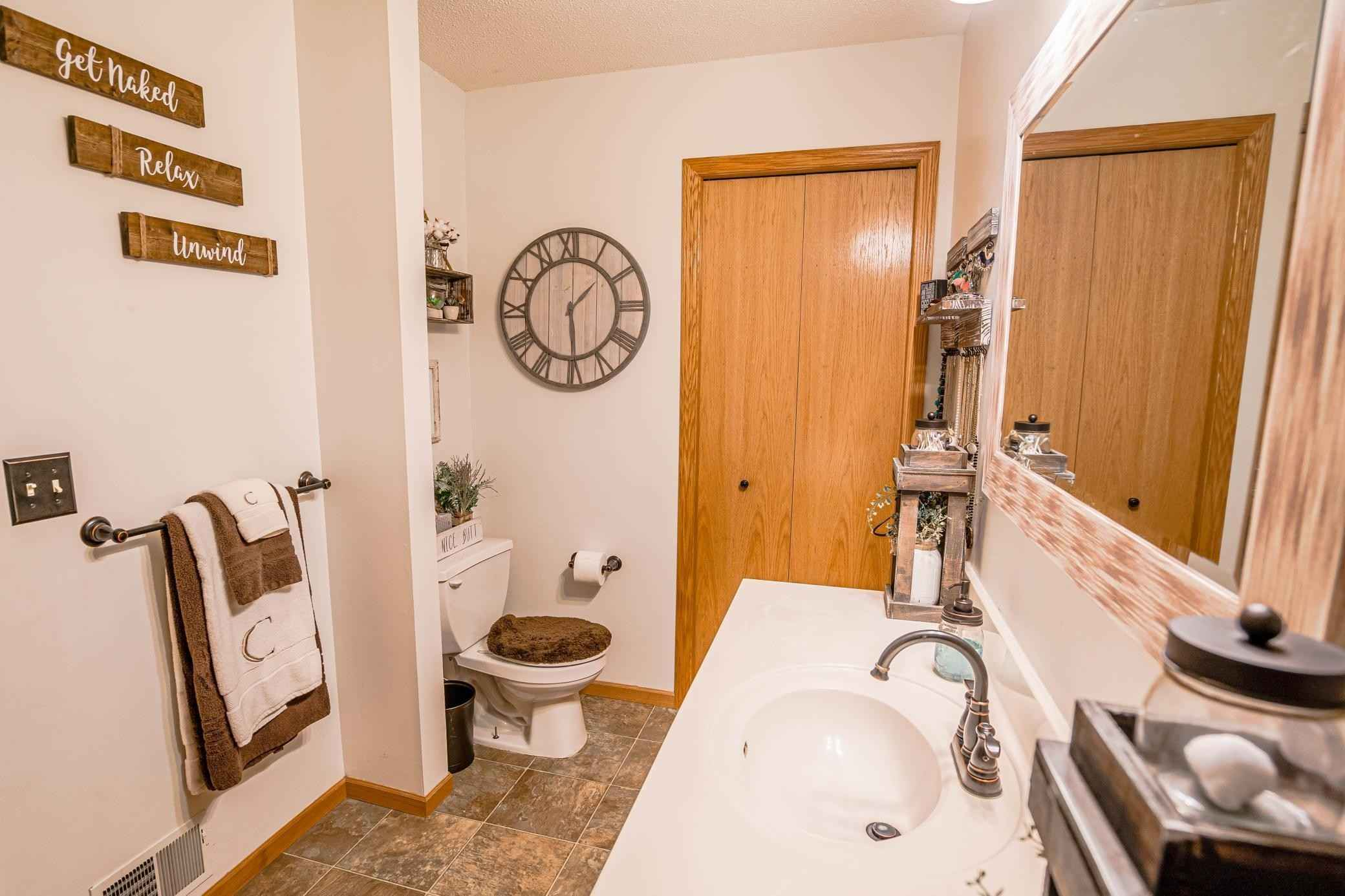 View 23 photos of this 2 bed, 2 bath, and 1,422 sqft. condo home located at 2057 Willow Cir, Hugo, Minnesota 55038 is Active for $244,900.