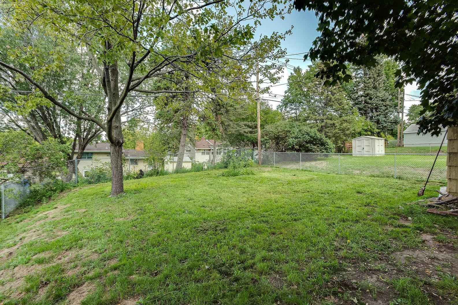 View 24 photos of this 3 bed, 1 bath, and 1,080 sqft. single_family home located at 2219 4th St E, Saint Paul, Minnesota 55119 is Pending for $215,000.