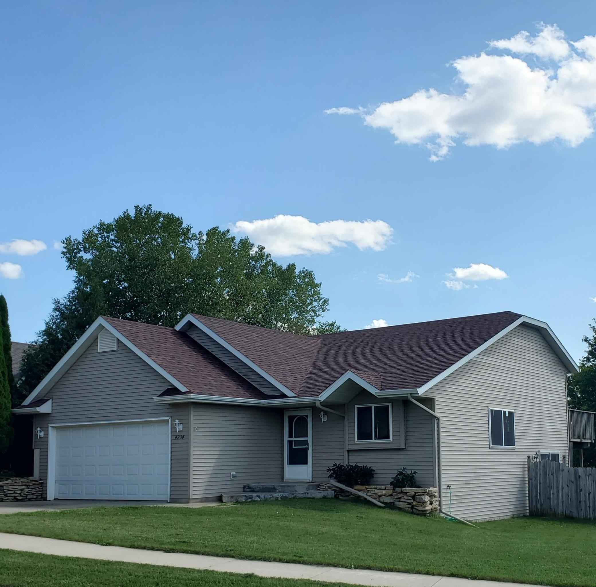 View 9 photos of this 3 bed, 2 bath, and 1,689 sqft. single_family home located at 4234 Redhawk Dr SE, Rochester, Minnesota 55904 is Active for $255,000.