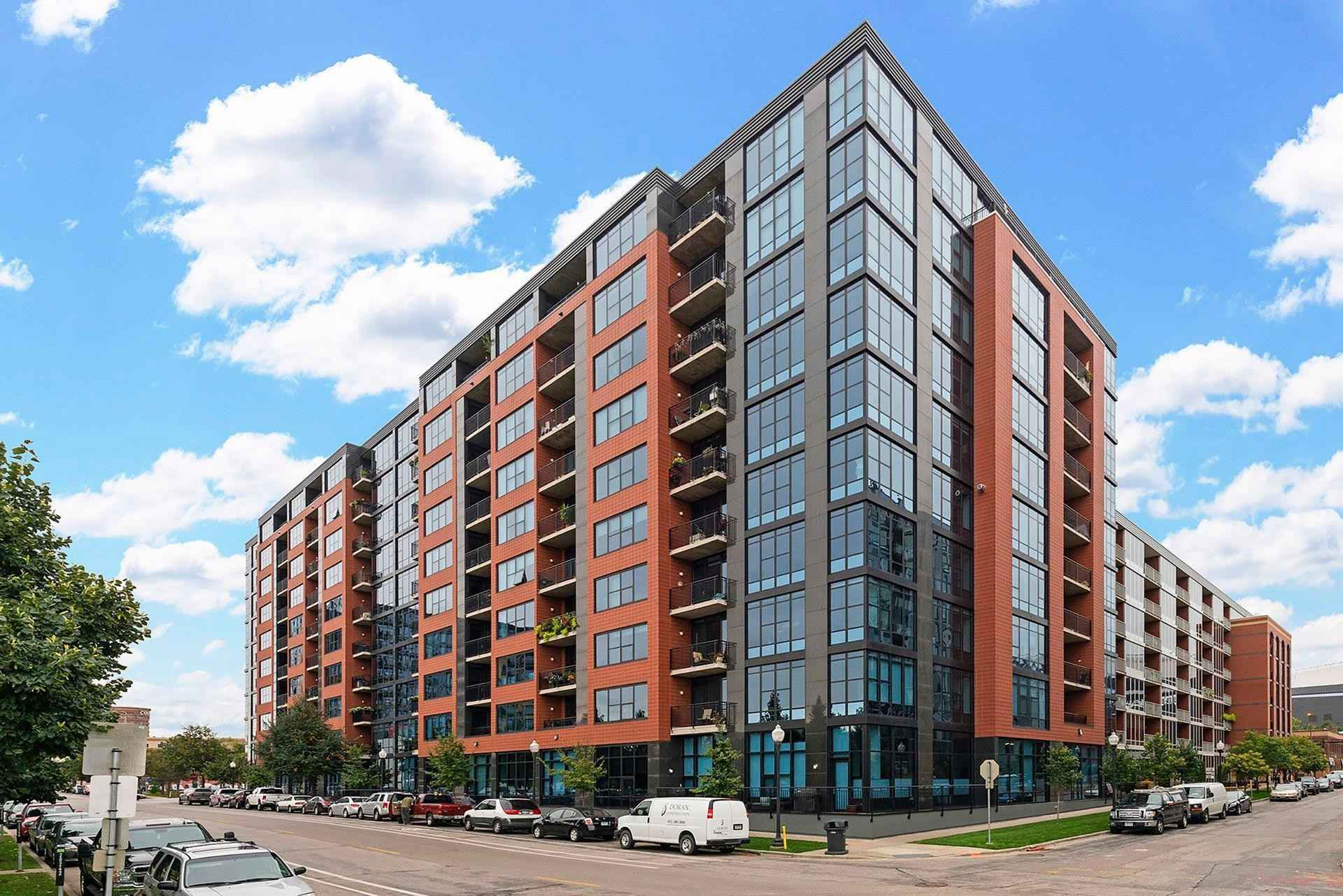 View 57 photos of this 2 bed, 2 bath, and 1,395 sqft. condo home located at 215 10th Ave S Unit 517, Minneapolis, Minnesota 55415 is Active for $449,900.