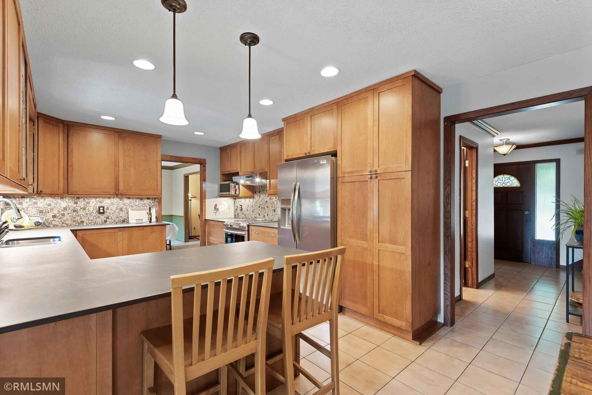 View 34 photos of this 4 bed, 3 bath, and 2,800 sqft. single_family home located at 2105 Walnut Grove Ln N, Plymouth, Minnesota 55447 is Pending for $420,000.