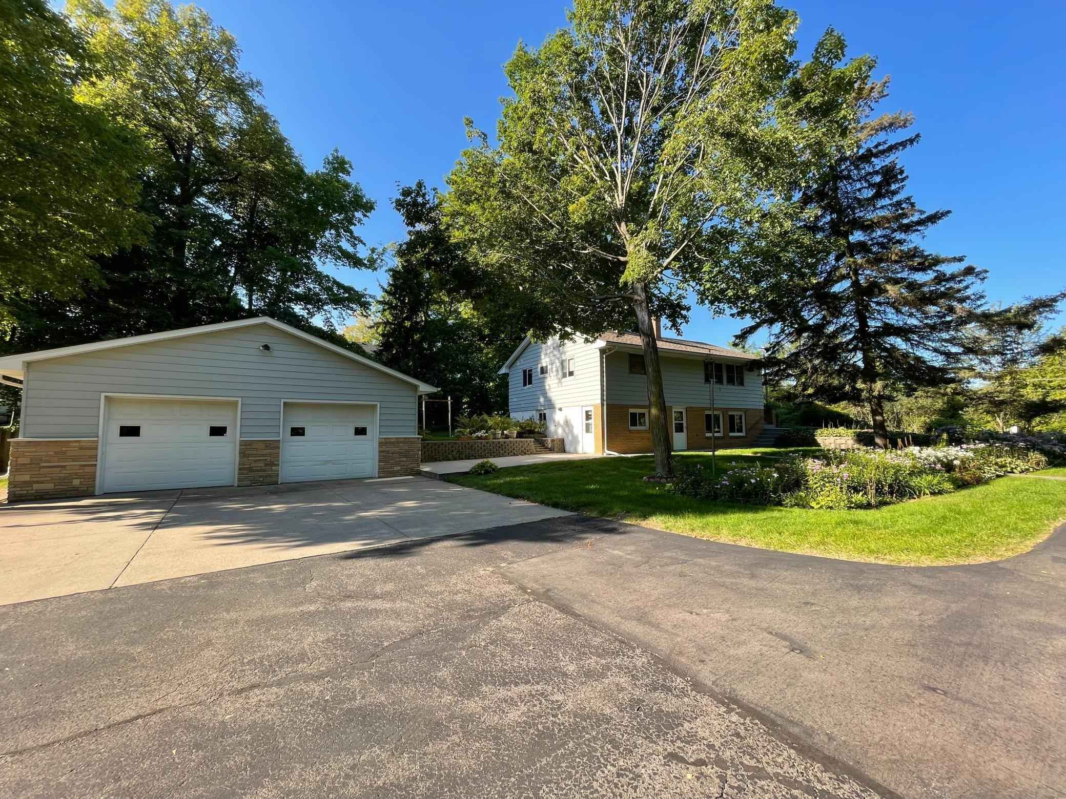 View 26 photos of this 3 bed, 2 bath, and 1,874 sqft. single_family home located at 7001 Halstead Dr, Mound, Minnesota 55364 is Active for $435,000.