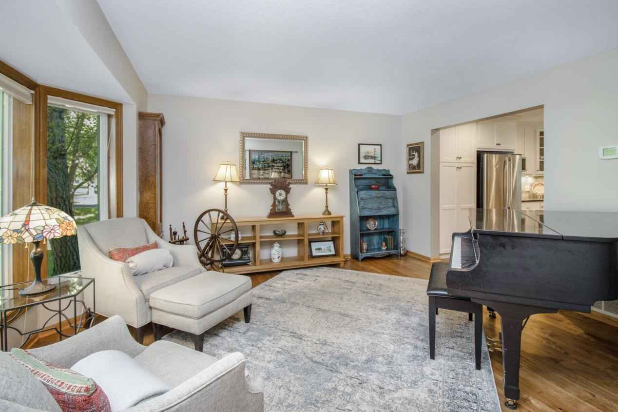 View 34 photos of this 4 bed, 4 bath, and 2,866 sqft. single_family home located at 4538 Oak Chase Way, Saint Paul, Minnesota 55123 is Active for $500,000.