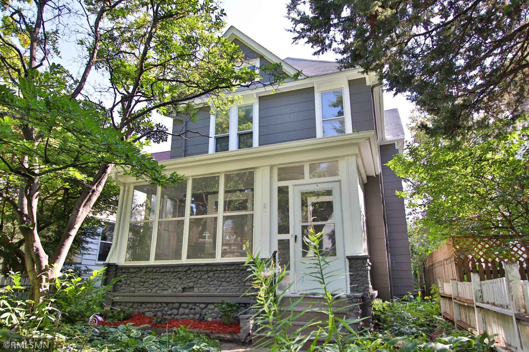 View 29 photos of this 4 bed, 2 bath, and 2,510 sqft. single_family home located at 1990 Iglehart Ave, Saint Paul, Minnesota 55104 is Active for $399,900.