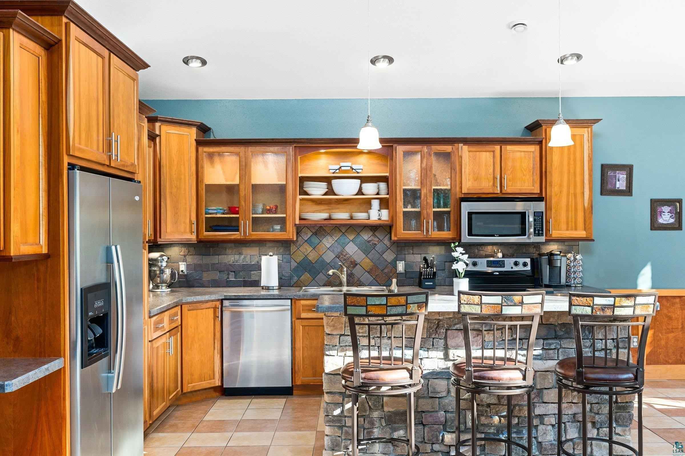 View 50 photos of this 3 bed, 3 bath, and 2,045 sqft. single_family home located at 3174 W Tischer Rd, Duluth, Minnesota 55803 is PENDING for $559,900.
