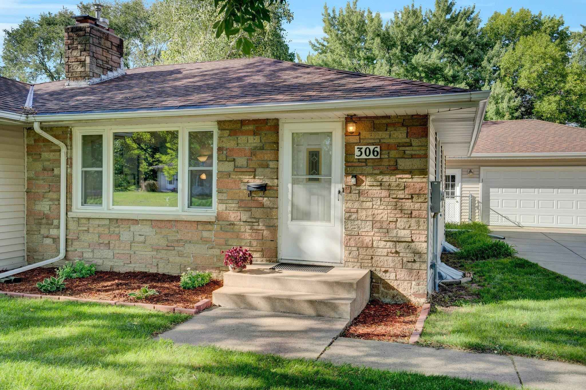 View 42 photos of this 3 bed, 2 bath, and 2,080 sqft. single_family home located at 306 Portland Pl, Bloomington, Minnesota 55420 is _0 for $.
