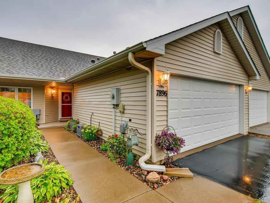View 28 photos of this 2 bed, 2 bath, and 1,562 sqft. condo home located at 7896 Heinbuch Trl, Woodbury, Minnesota 55125 is Pending for $320,000.