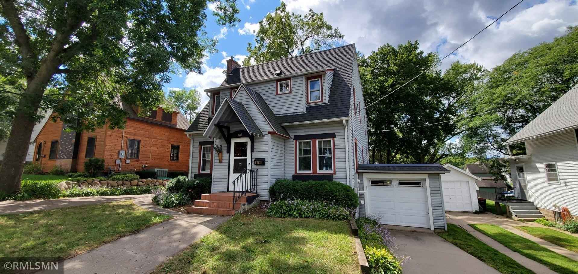 View 52 photos of this 4 bed, 2 bath, and 1,808 sqft. single_family home located at 1404 East Ave, Red Wing, Minnesota 55066 is Active for $262,000.