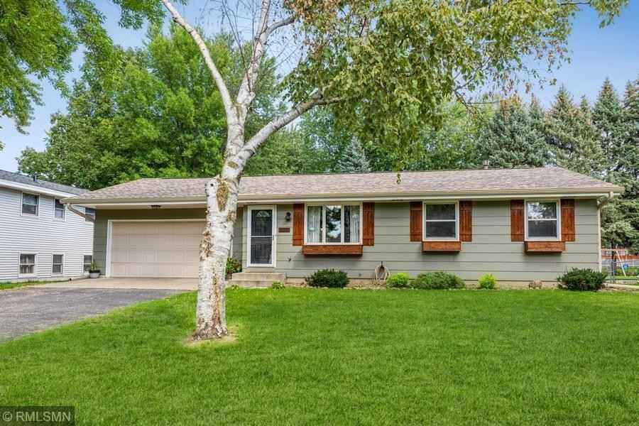 View 16 photos of this 3 bed, 2 bath, and 1,468 sqft. single_family home located at 1157 Van Buren St S, Shakopee, Minnesota 55379 is Active for $349,900.