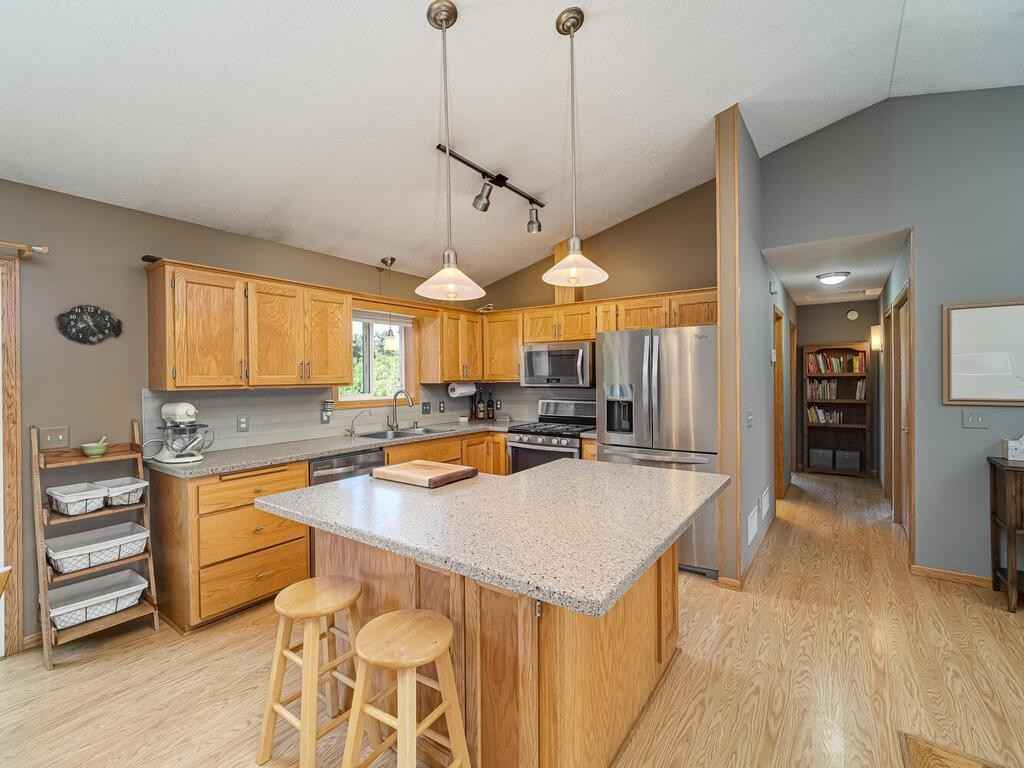 View 58 photos of this 4 bed, 2 bath, and 2,117 sqft. single_family home located at 21760 Killdeer St NW, Oak Grove, Minnesota 55011 is Pending for $349,900.