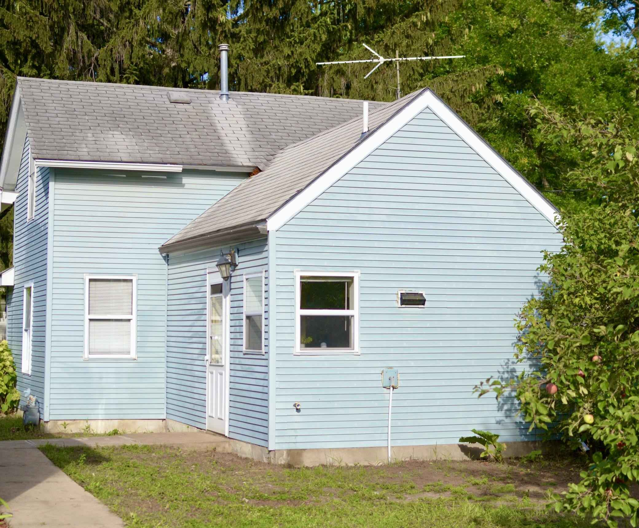View 6 photos of this 1 bed, 1 bath, and 640 sqft. single_family home located at 1006 7th Ave N, Princeton, Minnesota 55371 is Pending for $139,900.