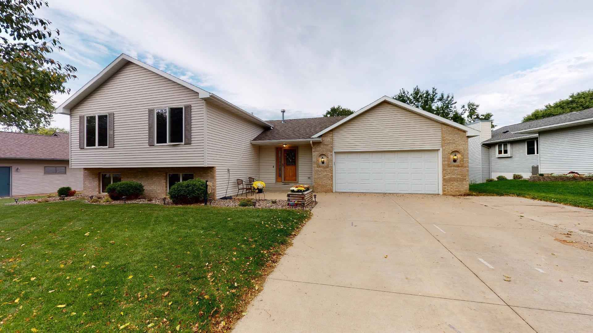 View 43 photos of this 4 bed, 2 bath, and 2,102 sqft. single_family home located at 4430 Stratford Ln NW, Rochester, Minnesota 55901 is Pending for $299,900.