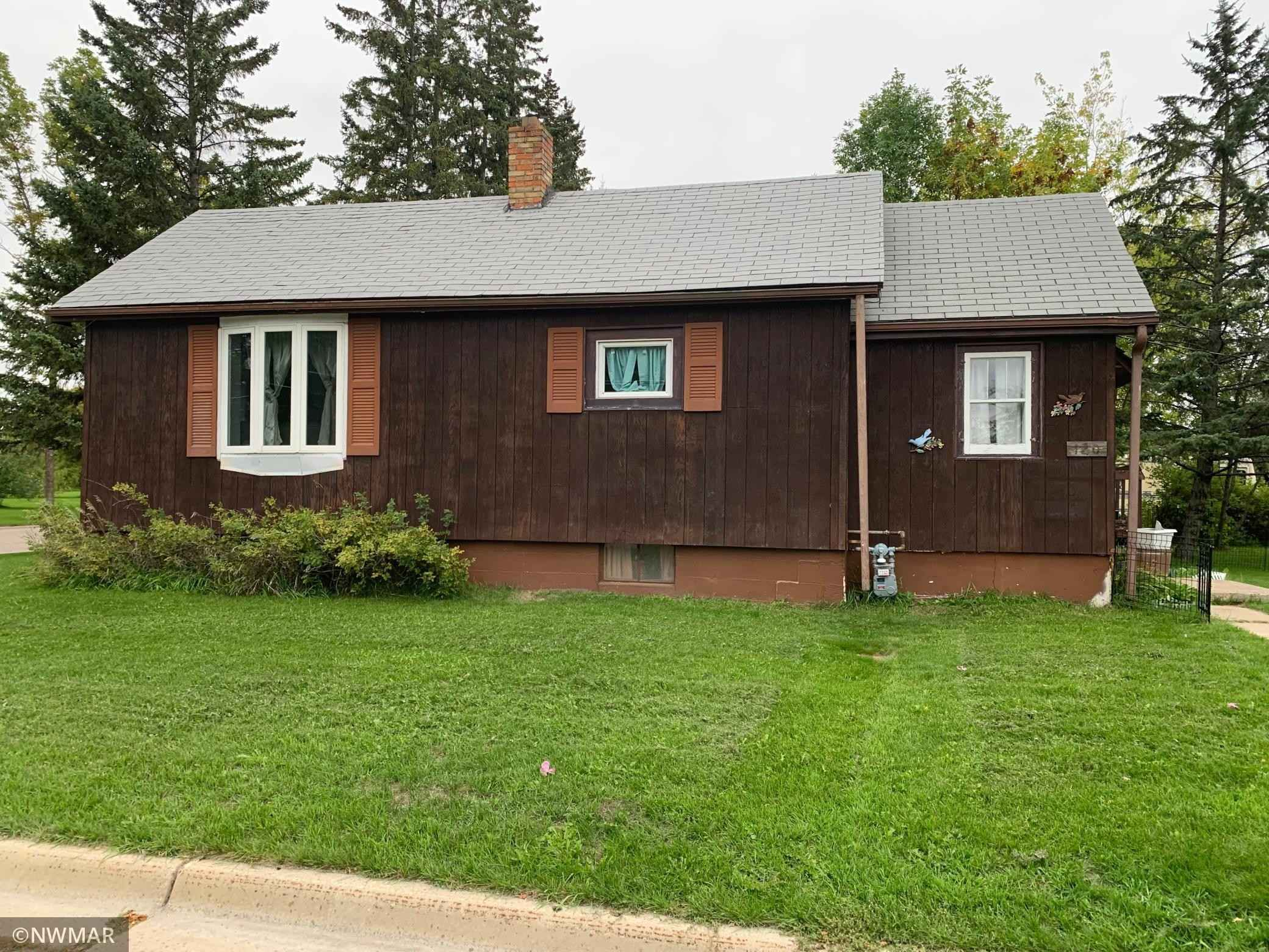 View 11 photos of this 2 bed, 2 bath, and 728 sqft. single_family home located at 120 7th Ave SE, Baudette, Minnesota 56623 is Pending for $79,900.