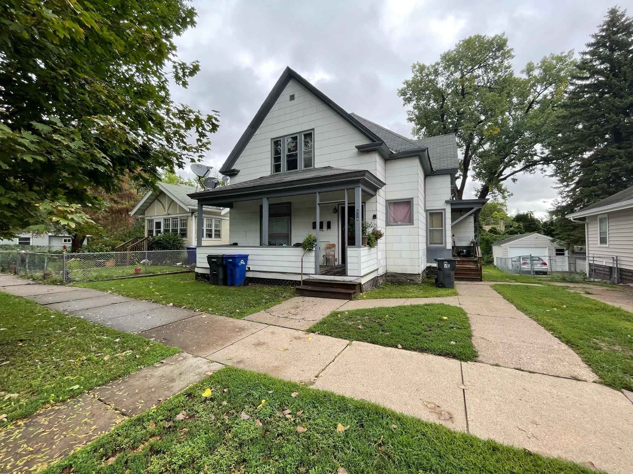 View 4 photos of this 5 bed, 3 bath, and 2,583 sqft. multi_family home located at 634 Winslow Ave, Saint Paul, Minnesota 55107 is Active for $349,900.