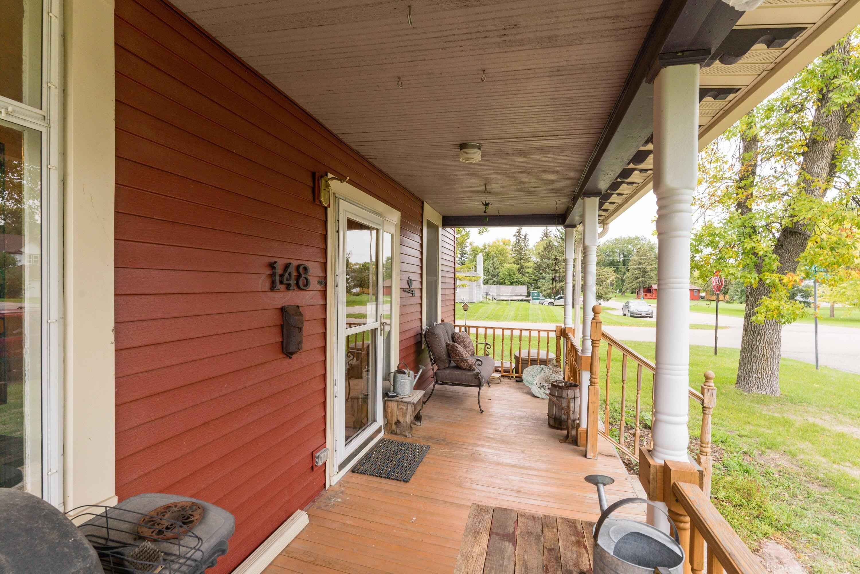 View 54 photos of this 3 bed, 2 bath, and 2,636 sqft. single_family home located at 148 2nd St NW, Rothsay, Minnesota 56579 is Active for $199,900.