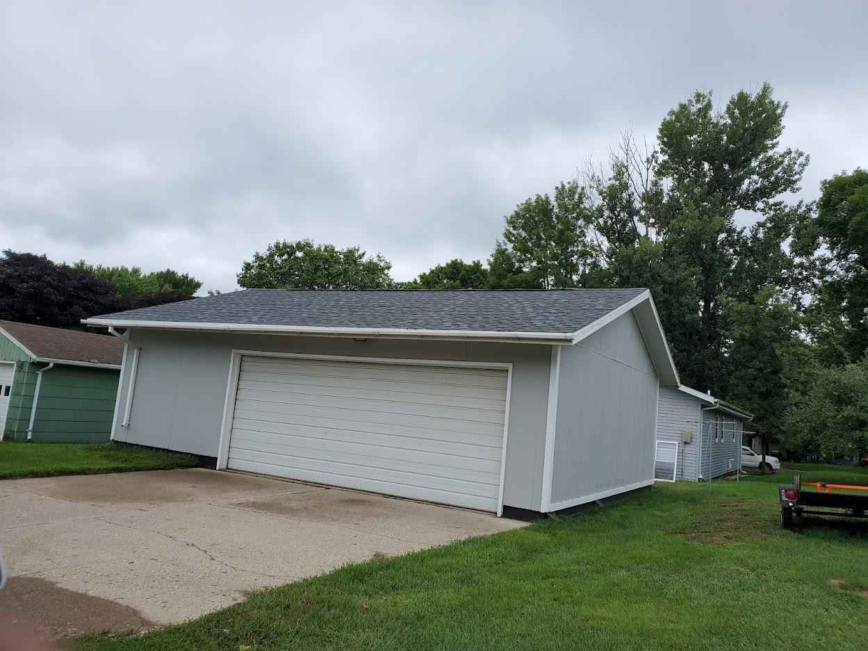 View 4 photos of this 4 bed, 3 bath, and 2,044 sqft. single_family home located at 1421 2nd Ave N, Windom, Minnesota 56101 is Active for $162,000.