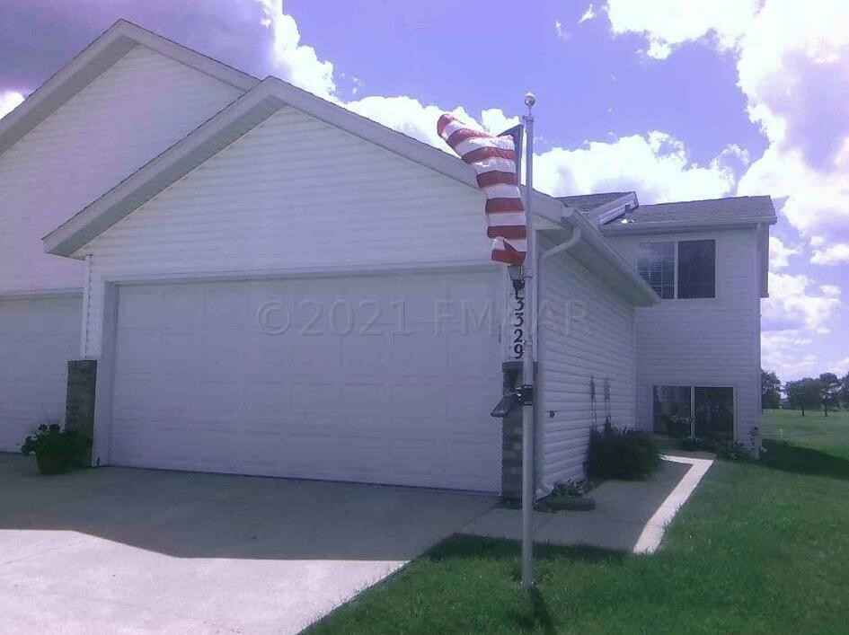 View 1 photos of this 3 bed, 2 bath, and 1,544 sqft. condo home located at 3329 38th St S, Moorhead, Minnesota 56560 is Inspection for $190,000.