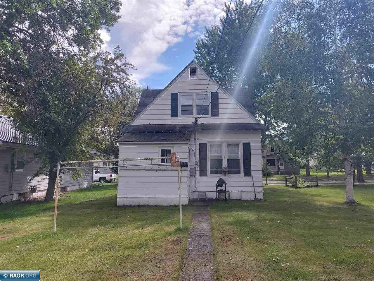 View 17 photos of this 3 bed, 2 bath, and 1,089 sqft. single_family home located at 1012 8th St, International Falls, Minnesota 56649 is Active for $65,000.
