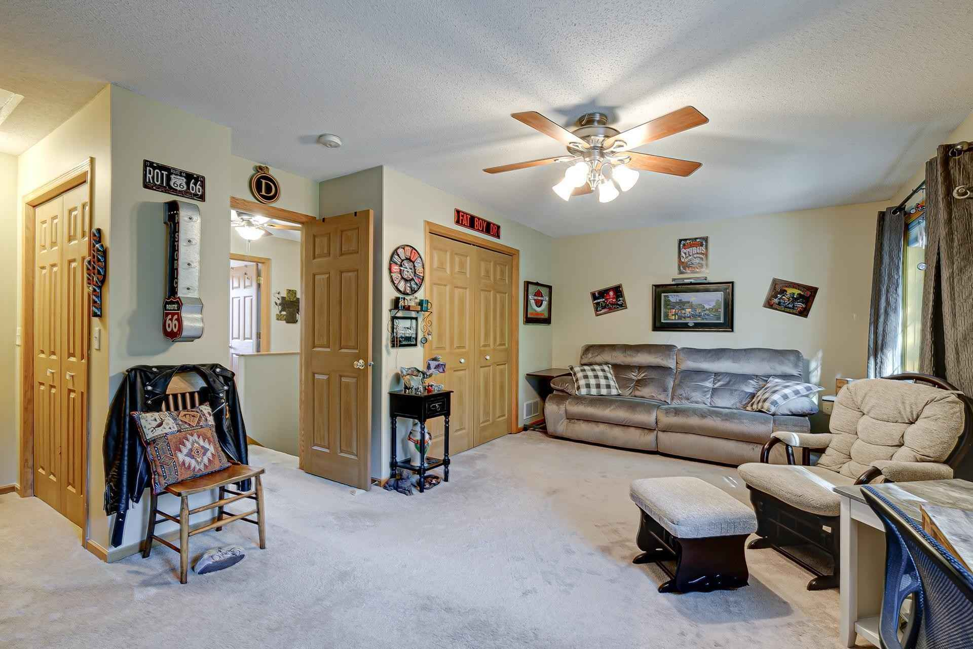 View 19 photos of this 2 bed, 2 bath, and 1,426 sqft. condo home located at 10852 Sycamore St NW, Coon Rapids, Minnesota 55433 is Active for $250,000.