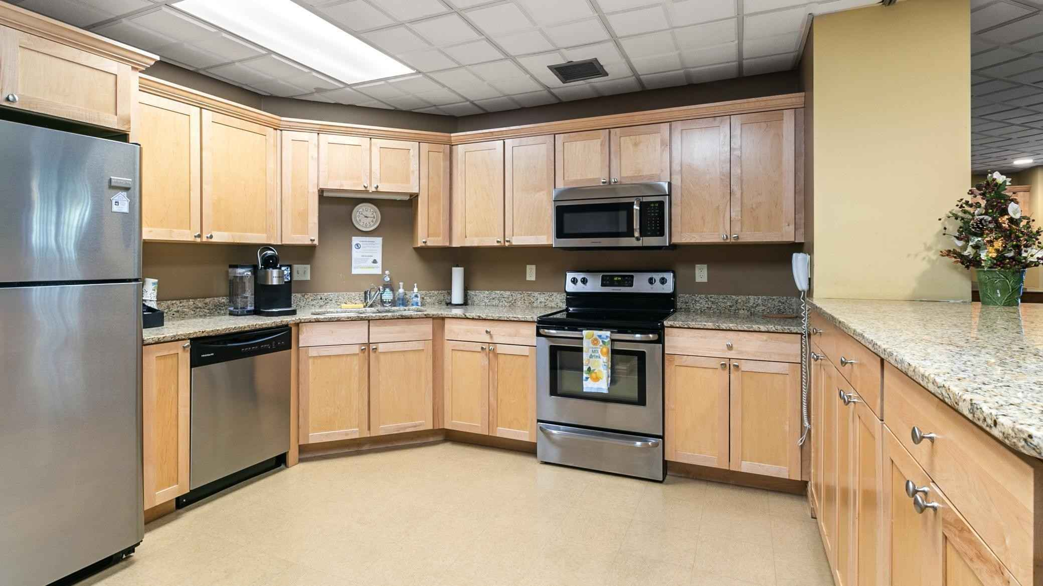 View 21 photos of this 1 bed, 1 bath, and 610 sqft. condo home located at 6500 Woodlake Dr Apt 408, Richfield, Minnesota 55423 is Active for $87,500.