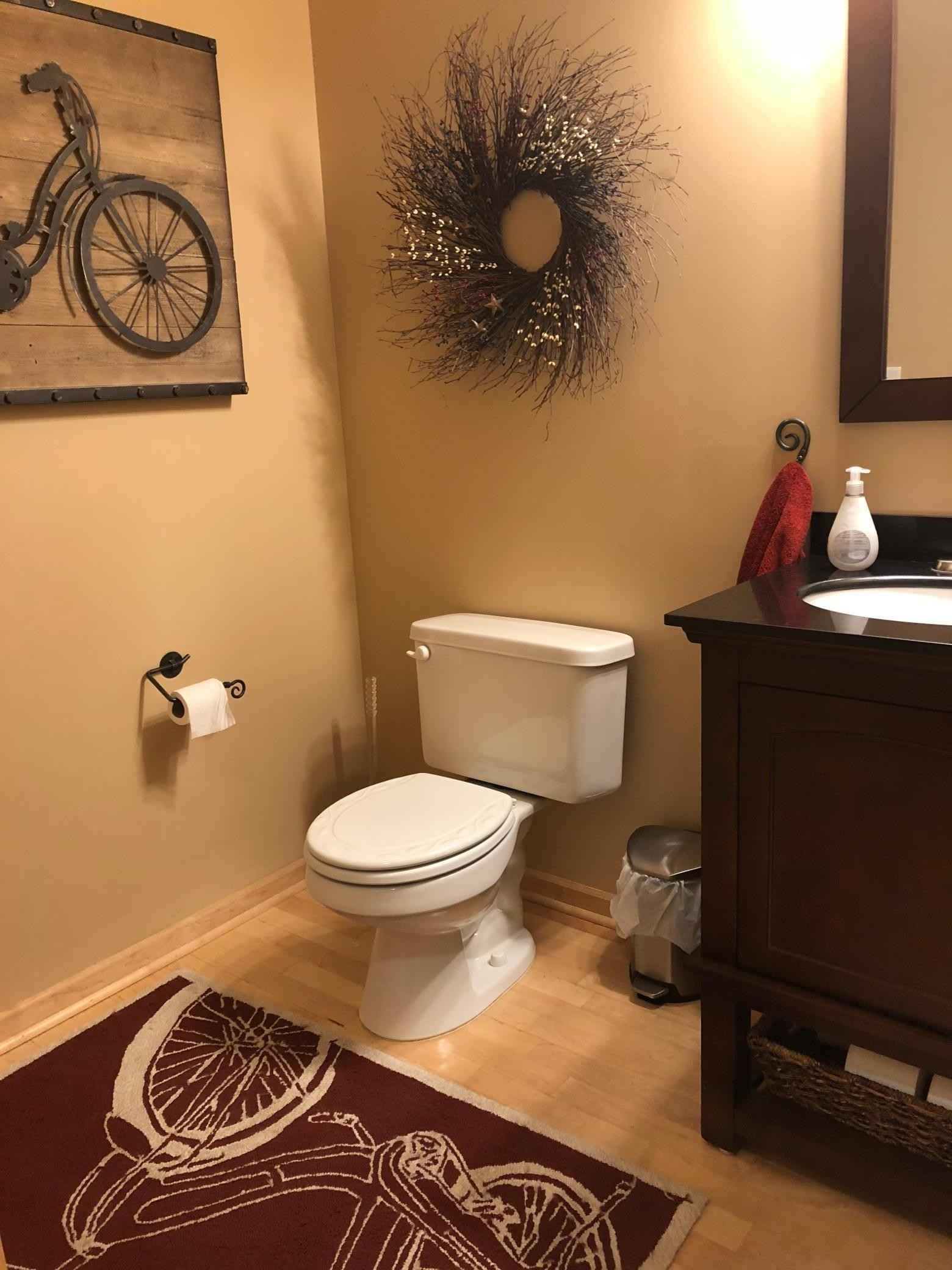 View 9 photos of this 2 bed, 2 bath, and 1,660 sqft. condo home located at 111312 Village Rd Unit 12, Chaska, Minnesota 55318 is Active for $274,900.