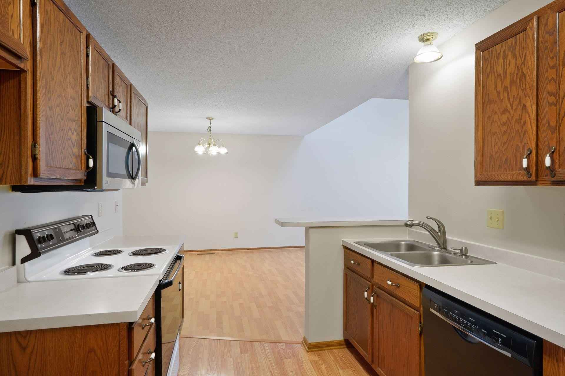 View 40 photos of this 2 bed, 3 bath, and 1,705 sqft. condo home located at 3217 Pecks Woods Turn, New Brighton, Minnesota 55112 is Active for $277,100.